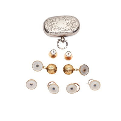 Lot 97 - A mother of pearl and sapphire set gentleman's dress set