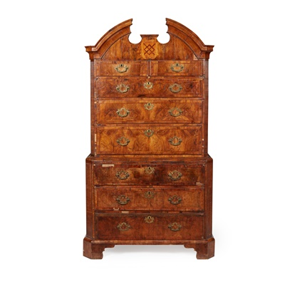 Lot 16 - GEORGE I WALNUT, CROSSBANDED, AND INLAID CHEST-ON-CHEST