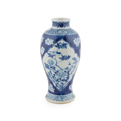 Lot 159 - BLUE AND WHITE 'CRACKED ICE AND PRUNUS' VASE
