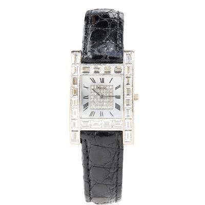 Lot 131 - Chopard: a lady's diamond set watch
