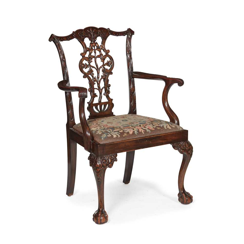 Lot 100 - GEORGE III STYLE MAHOGANY ARMCHAIR