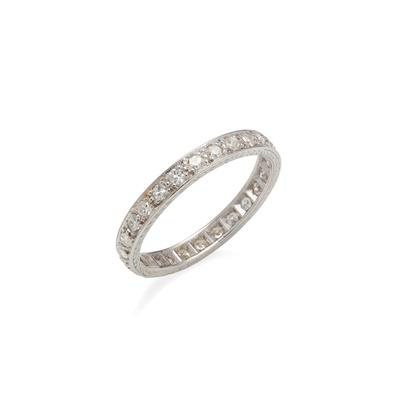 Lot 86 - A diamond eternity ring