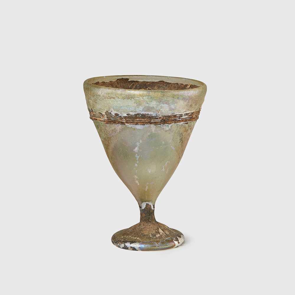 Lot 76 - ROMAN GLASS STEM CUP