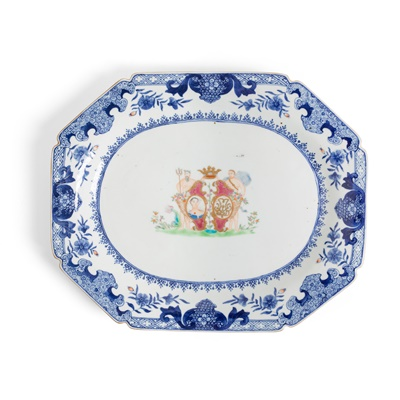 Lot 135 - BLUE AND WHITE WITH FAMILLE ROSE 'GREEK GOD' PLATE