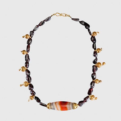 Lot 59 - WESTERN ASIATIC NECKLACE