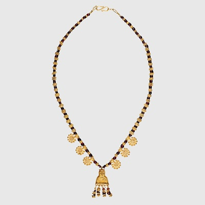 Lot 54 - ANCIENT ARABIAN GOLD NECKLACE WITH FEMALE FIGURE PENDANT, LIKELY SABEAN