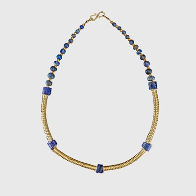 Lot 88 - WESTERN ASIATIC GOLD AND LAPUS LAZULI NECKLACE