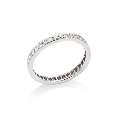 Lot 104 - A diamond eternity ring