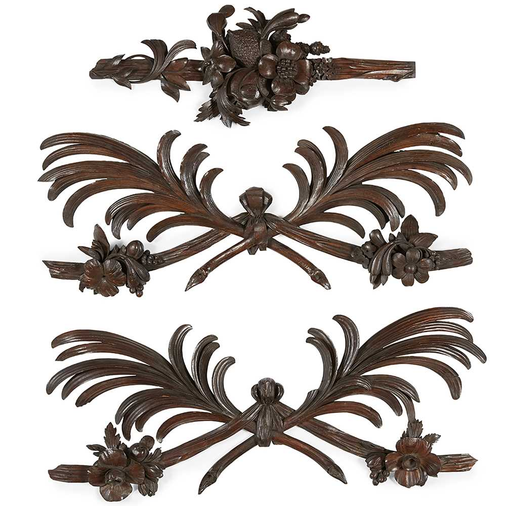 Lot 95 - GROUP OF THREE 'GRINLING GIBBONS' TYPE CARVED MOULDINGS