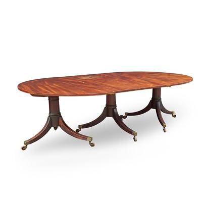 Lot 211 - REGENCY MAHOGANY TRIPLE PEDESTAL DINING TABLE
