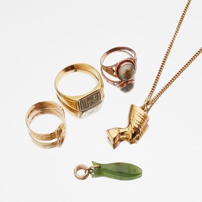 Lot 111 - A collection of jewellery