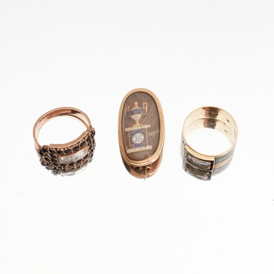 Lot 19 - A collection of Georgian mourning jewellery