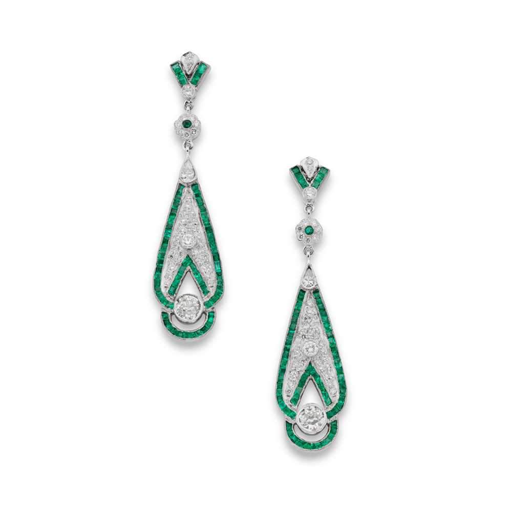 Lot 118 - A pair of emerald and diamond pendent earrings