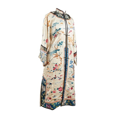 Lot 22 - IVORY GROUND SILK EMBROIDERED LADY'S ROBE