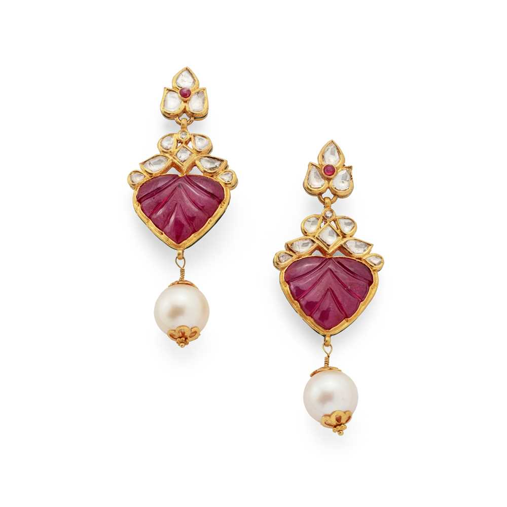 Lot 52 - A pair of Indian carved ruby, diamond and cultured pearl earrings