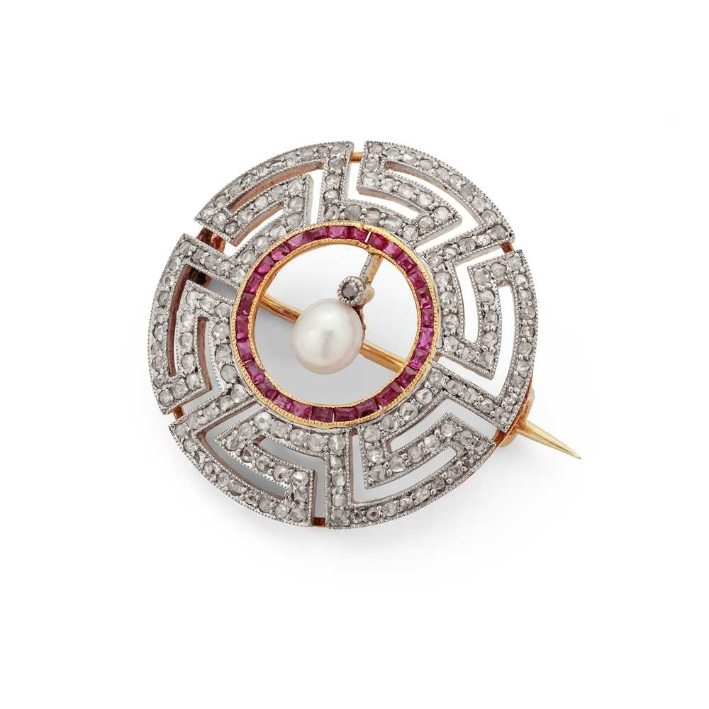Lot 122 - An early 20th century  diamond, ruby and pearl brooch