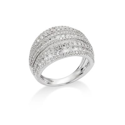 Lot 49 - A diamond dress ring