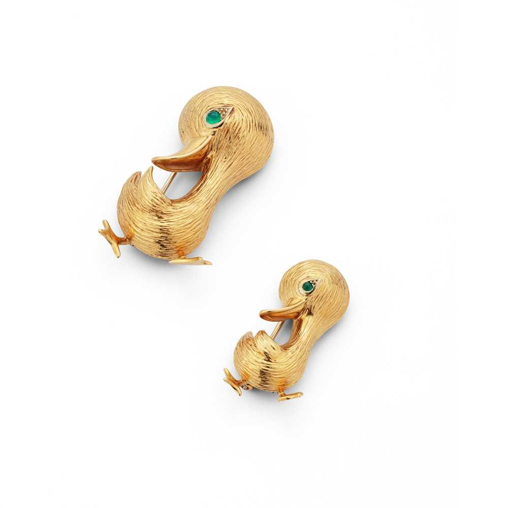Lot 23 - A pair of gem-set duck brooches, by O. J. Perrin