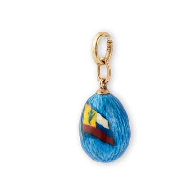 Lot 18 - An early 20th century Russian enamelled egg pendant, circa 1914-17