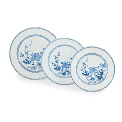 Lot 148 - GROUP OF THREE GRADUATED BLUE AND WHITE CHARGERS