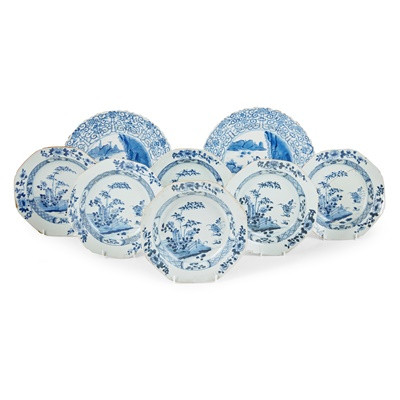 Lot 138 - GROUP OF EIGHT BLUE AND WHITE PLATES