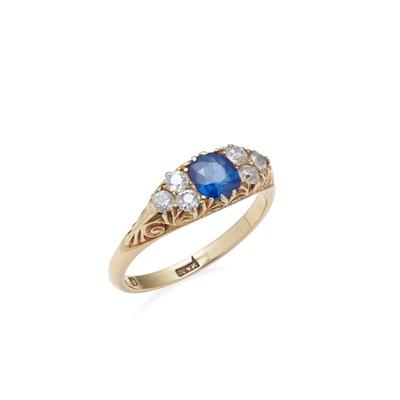 Lot 81 - A sapphire and diamond set ring