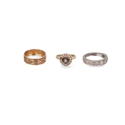 Lot 69 - Three gem set rings