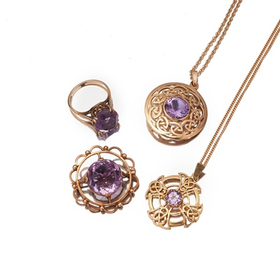 Lot 119 - A collection of amethyst jewellery