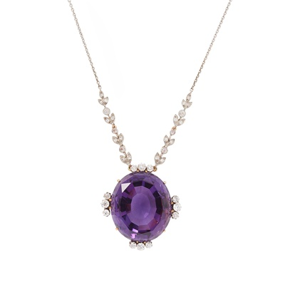 Lot 77 - An early 20th Century amethyst and diamond set pendant necklace