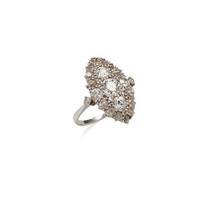 Lot 1 - A diamond set navette cluster ring
