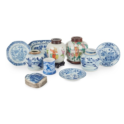 Lot 102 - COLLECTION OF TEN PORCELAIN WARES
