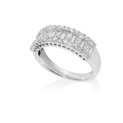 Lot 71 - A diamond half eternity ring