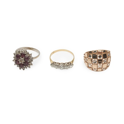 Lot 179 - Three gem-set rings