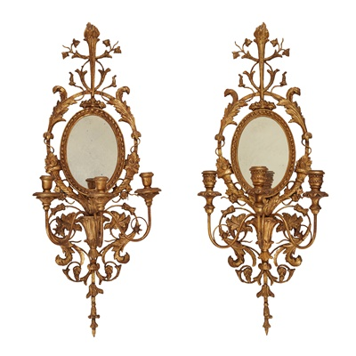 Lot 101 - PAIR OF NEOCLASSICAL STYLE GILTWOOD AND MIRRORED WALL SCONCES