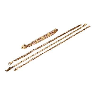 Lot 129 - A collection of bracelets