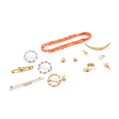 Lot 186 - A collection of jewellery