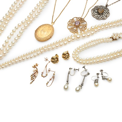 Lot 189 - A collection of jewellery