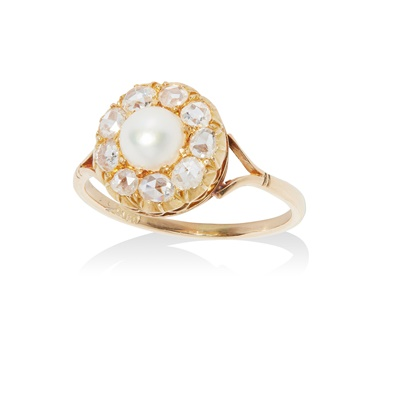 Lot 97 - A pearl and diamond set cluster ring
