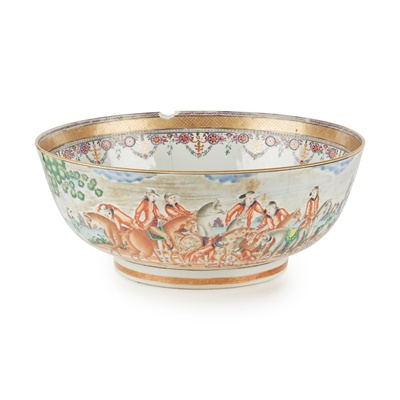 Lot 34 - A CHINESE EXPORT EUROPEAN SUBJECT PORCELAIN PUNCH BOWL