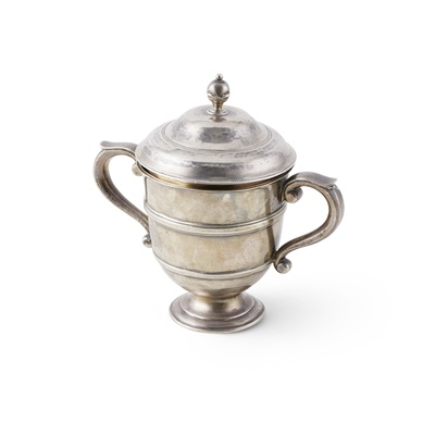 Lot 399 - A small twin-handled cup and cover