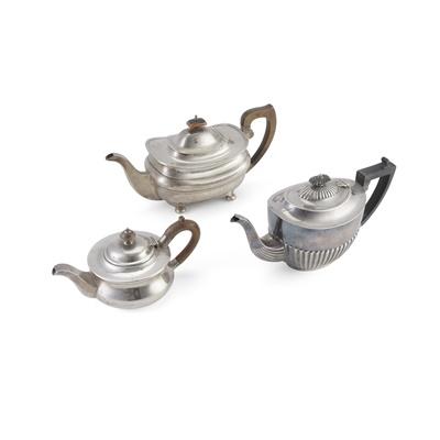 Lot 377 - A 1930s teapot