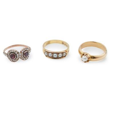 Lot 177 - Three pearl rings