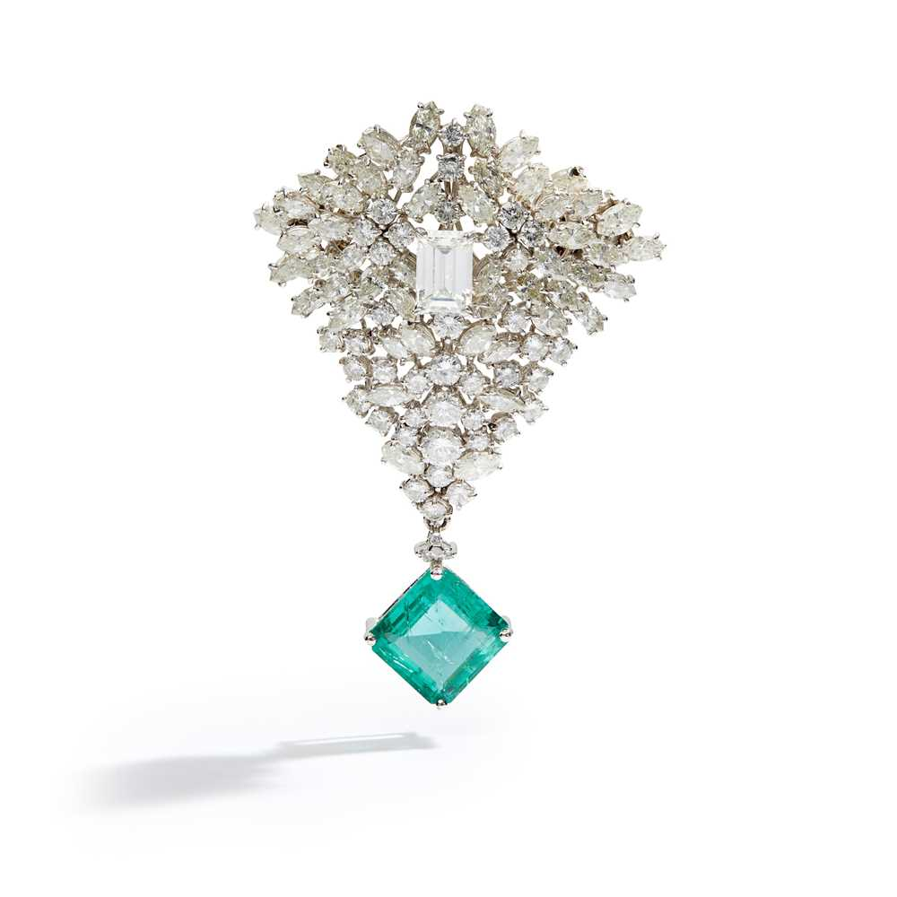 Lot 29 - An emerald and diamond brooch