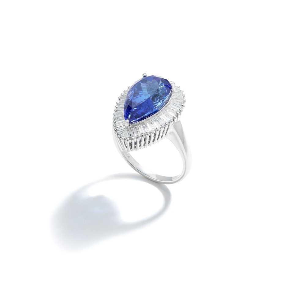 Lot 46 - A tanzanite and diamond dress ring