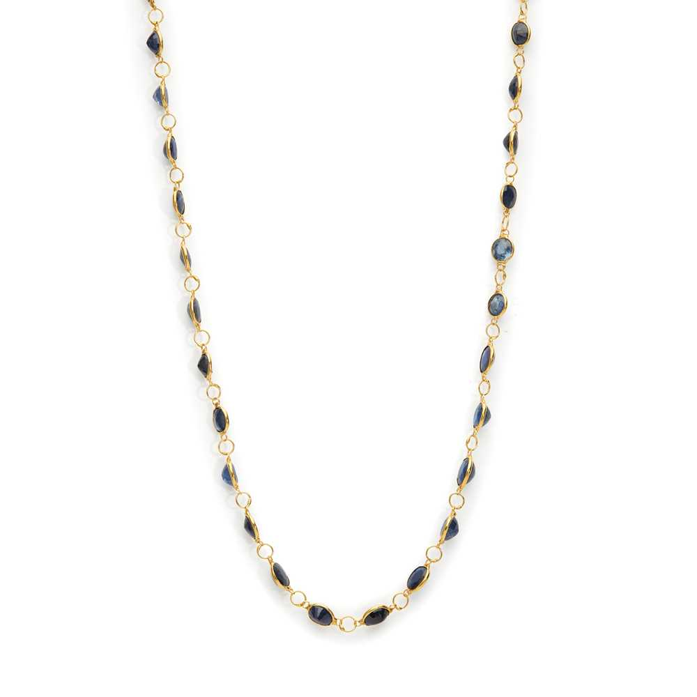 Lot 10 - A sapphire necklace