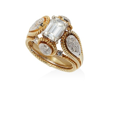 Lot 28 - A diamond ring