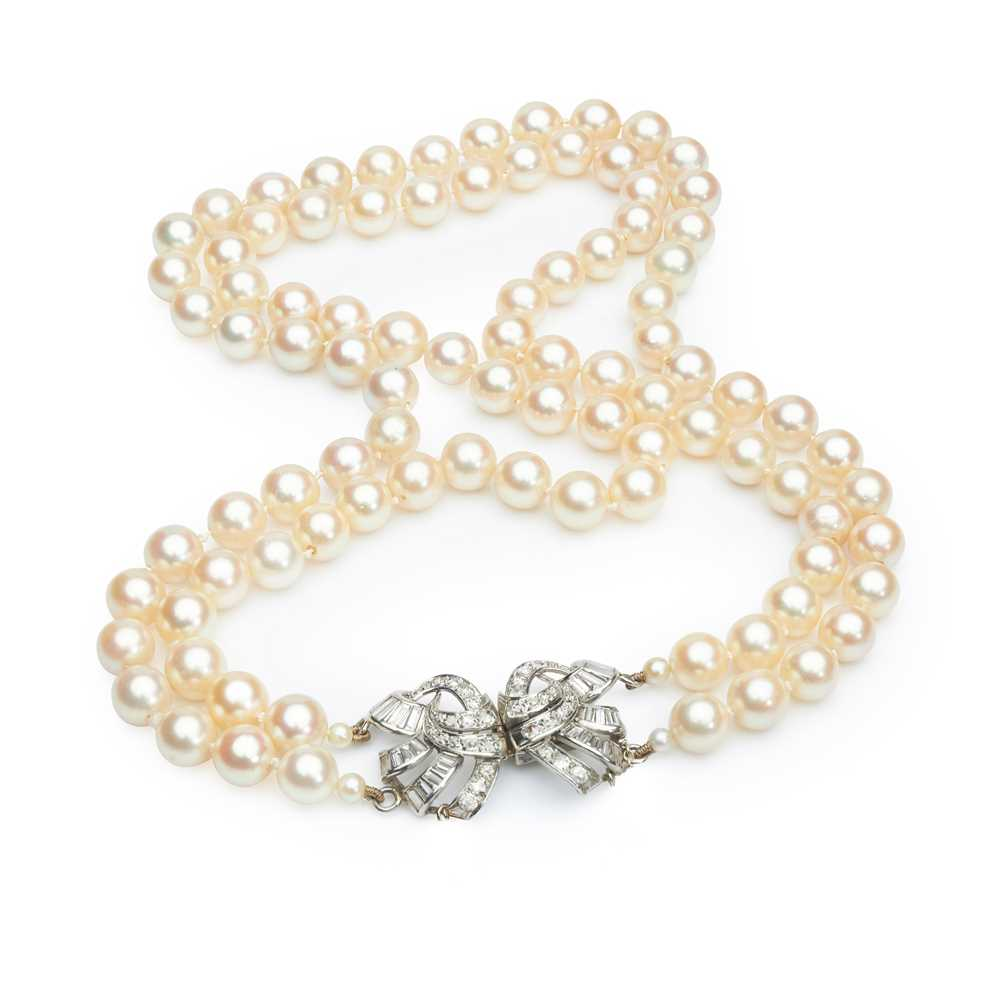 Lot 23 - A cultured pearl and diamond necklace