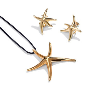 Lot 92 - A 'Starfish' pendant and earrings by Elsa Peretti for Tiffany & Co.