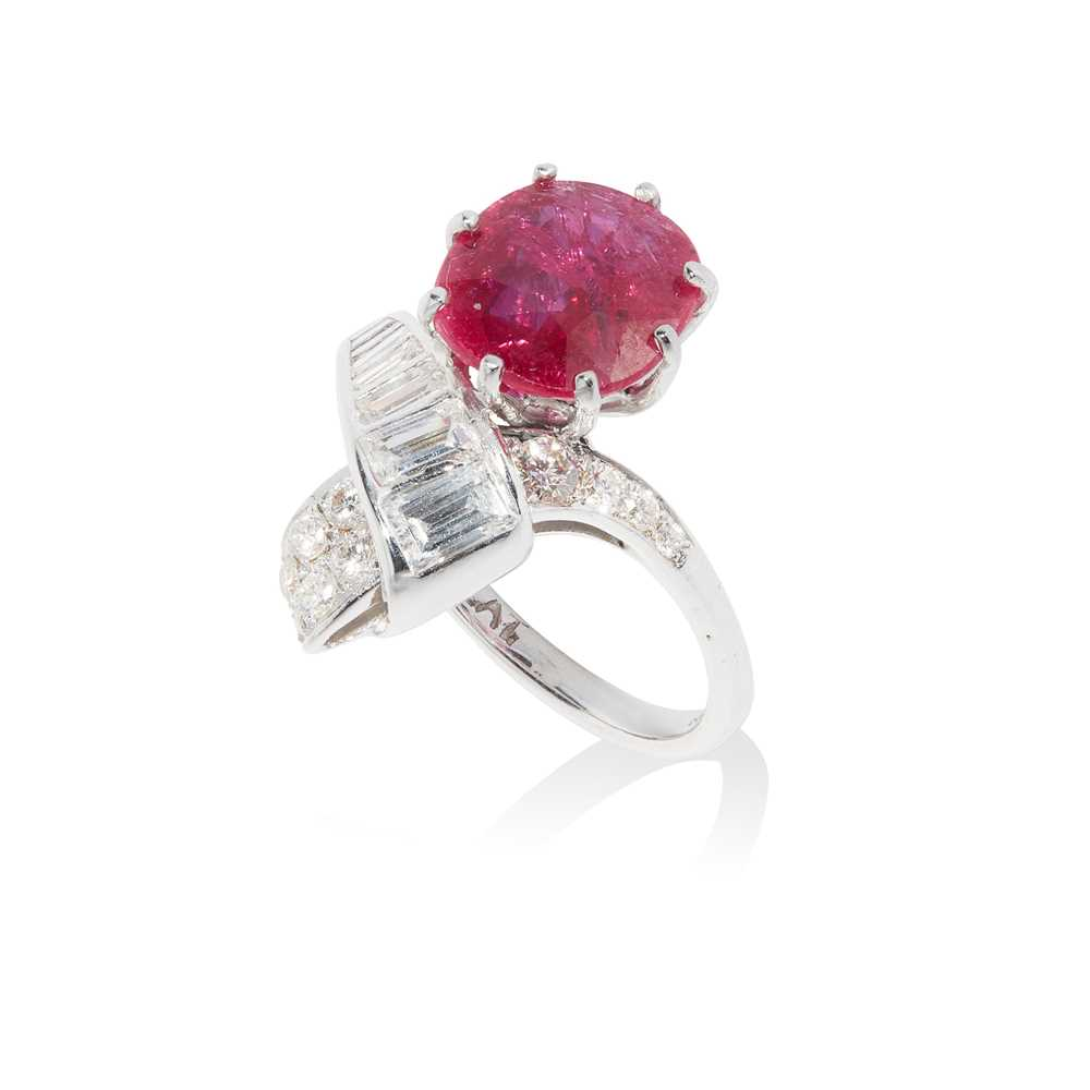 Lot 45 - A ruby and diamond dress ring