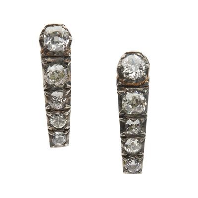 Lot 103 - A pair of diamond earrings